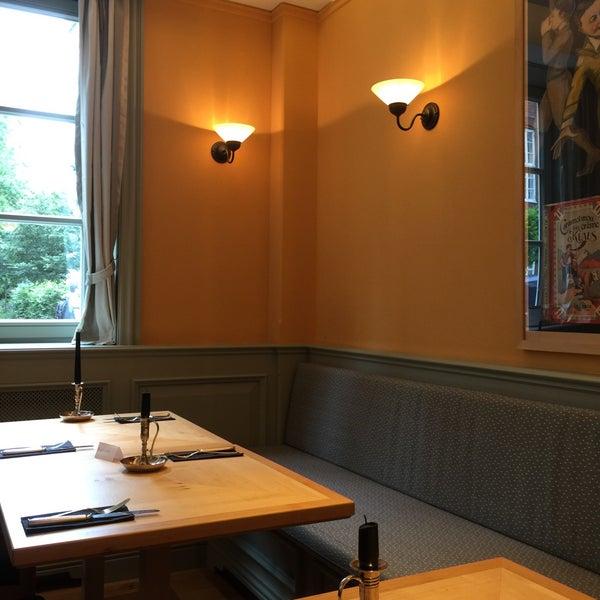 Freundliche Bedienung und tolles Essen! Und unbedingt das Komponisten-Quartier nebenan besuchen!