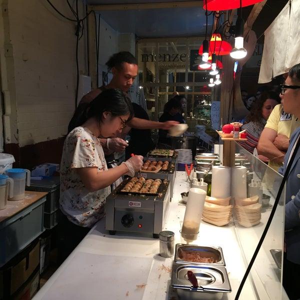 Das Foto wurde bei Street Food Thursday von Livia am 4/23/2015 aufgenommen