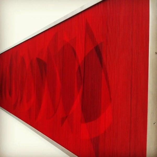 Foto tomada en MUAC (Museo Universitario de Arte Contemporáneo). por Luis L. el 2/24/2013