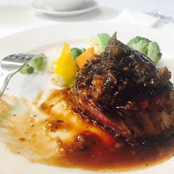 12/8/2016 tarihinde Noor H.ziyaretçi tarafından Şans Restaurant'de çekilen fotoğraf