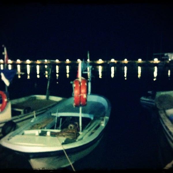 8/7/2013 tarihinde Kerem Oğuz D.ziyaretçi tarafından Küçükkuyu Limanı'de çekilen fotoğraf