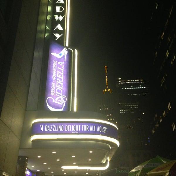 7/17/2013にKate O.がBroadway Theatreで撮った写真