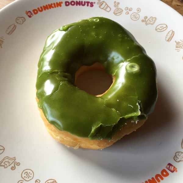 Their green tea donut doesn't taste anything like green tea. I had a regular donut with green colored sugar coating. Dunkin' is still my favorite donut place. Love the texture of their donuts.