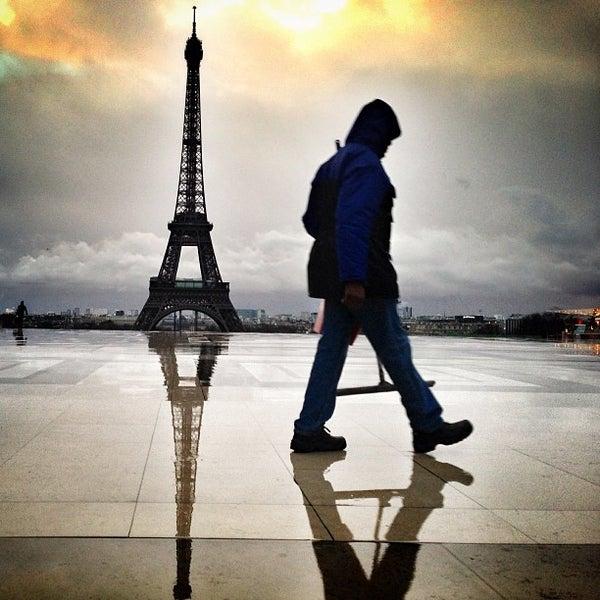 Photo prise au Place du Trocadéro par Bois H. le2/9/2013