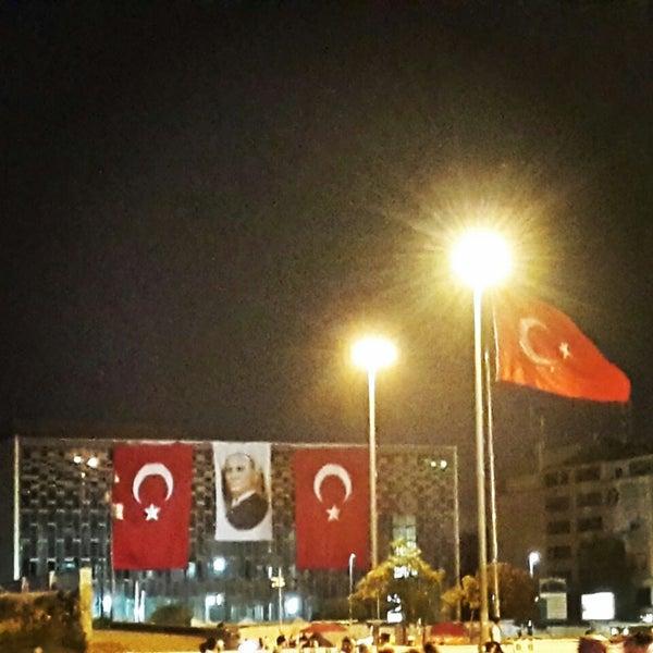 Taksim meydani ilk defa bu kadar guzel olmamisti