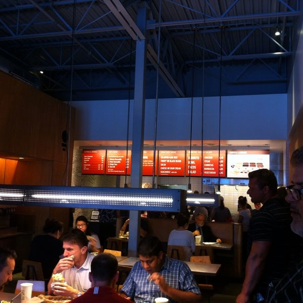 Photo taken at Chipotle Mexican Grill by Sean L. on 6/11/2013