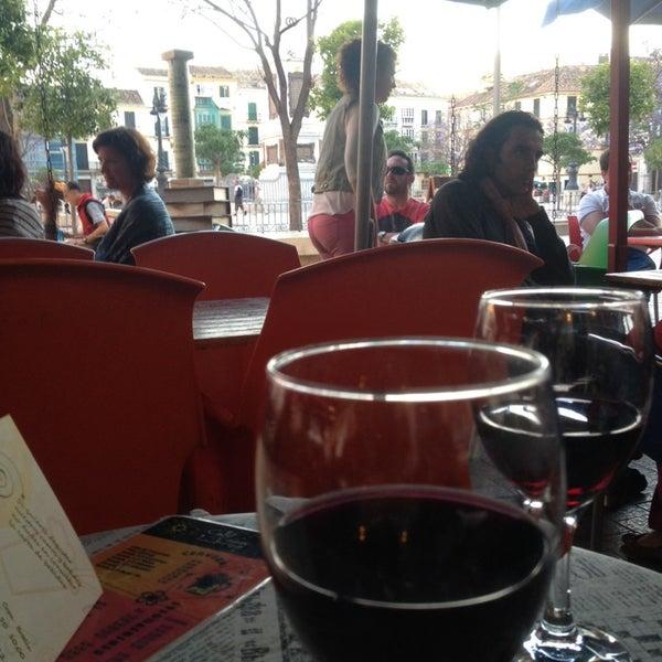 5/5/2014 tarihinde Peter B.ziyaretçi tarafından Café con Libros'de çekilen fotoğraf