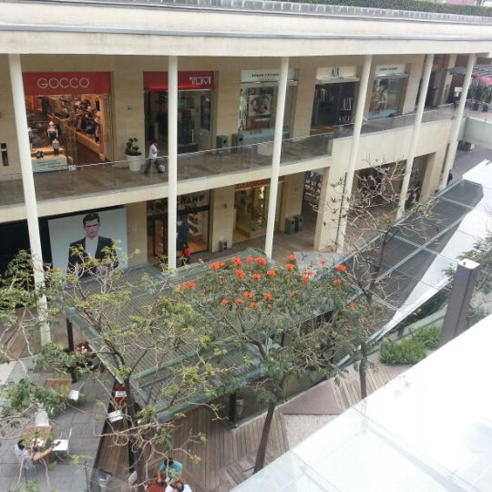 Foto tomada en Antara Fashion Hall por Leo G. el 2/8/2013