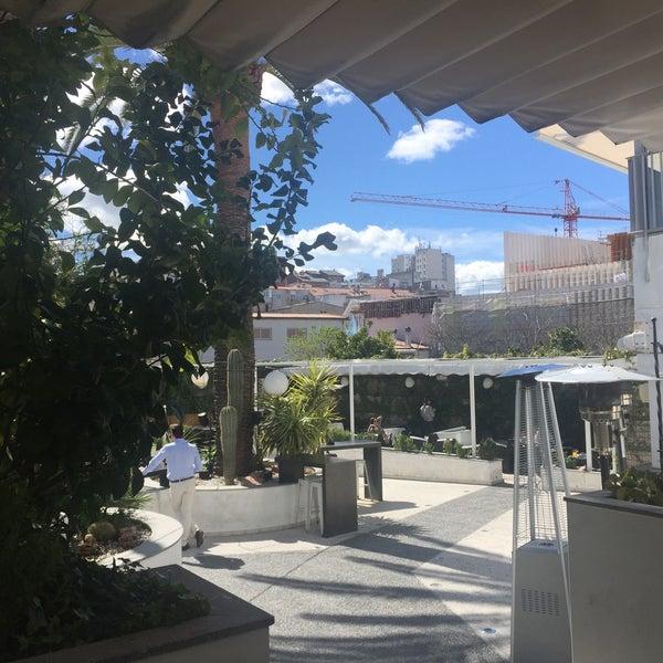 Foto tomada en Mastropiero Gastrobar y Jardín por Burcu💫 el 3/25/2018