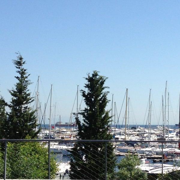 6/23/2013 tarihinde Sevil K.ziyaretçi tarafından Ataköy Marina'de çekilen fotoğraf