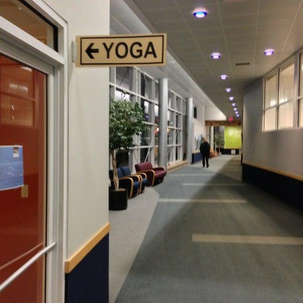 Foto tomada en Burlington International Airport (BTV) por Drew G. el 12/26/2012