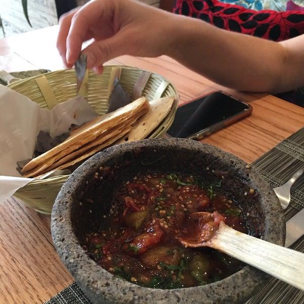 Desde que te preparan la salsa en la mesa me enamore del lugar