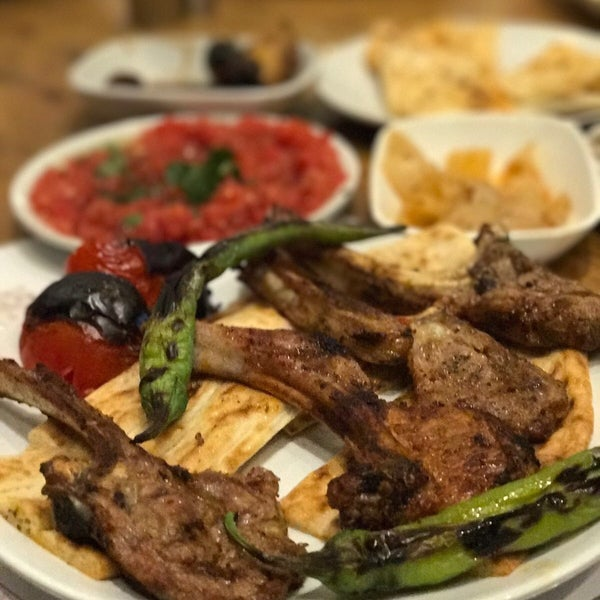 lezzetleri anlatmaya gerek yok Adana ya gitsek daha iyi olamazdı. Adana sofrasını Ankara ya getirmişler. çok eski bir mekan değil ama kısa zamanda Ankara da ekol olacaktır.
