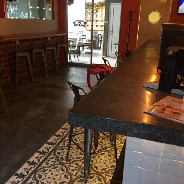Foto tomada en Cervecería 7B por Alexis A. el 10/14/2015