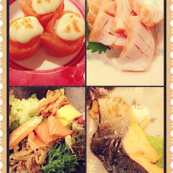 Photo taken at Sakae Sushi by James S. on 10/4/2013