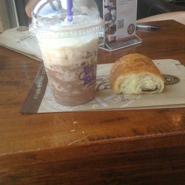Photo taken at The Coffee Bean & Tea Leaf by Ashley M. on 8/1/2013