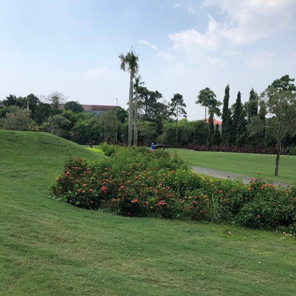9/3/2018 tarihinde Khairul A.ziyaretçi tarafından Pondok Indah Golf & Country Club'de çekilen fotoğraf