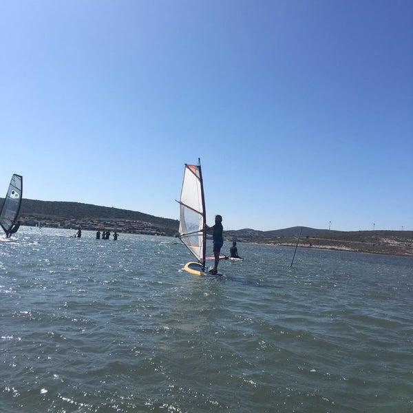 Foto scattata a Orsa Sörf Okulu da Deniz K. il 9/3/2017