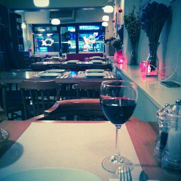 Photo taken at Sıdıka Meze Restoranı by Çağlayan T. on 12/26/2014