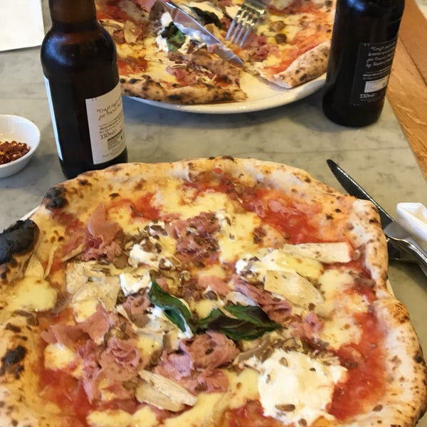 Photo taken at Franco Manca by Yoonie S. on 6/2/2017