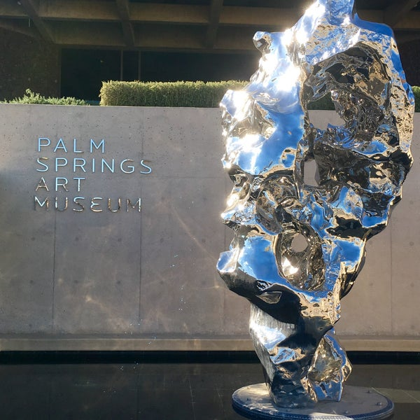 Photo taken at Palm Springs Art Museum by Mathieu H. on 12/17/2015