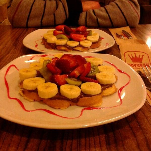 3/16/2013 tarihinde Görkem Ö.ziyaretçi tarafından Waffle Edem'de çekilen fotoğraf