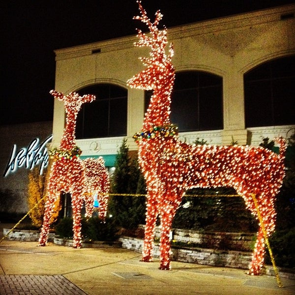 Photo taken at King of Prussia Mall by Gulru Y. on 12/12/2012