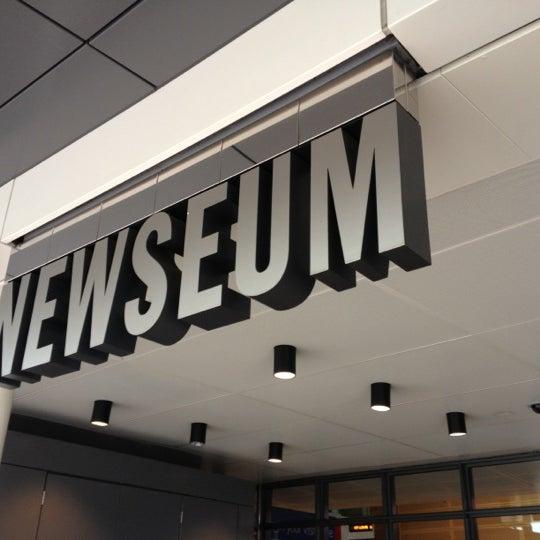 Foto tirada no(a) Newseum por David H. em 12/2/2012