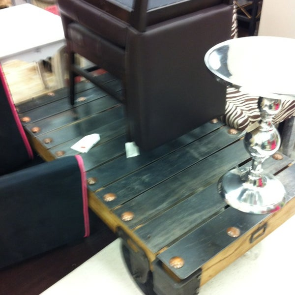 Homesense vaughan on for Coffee tables homesense