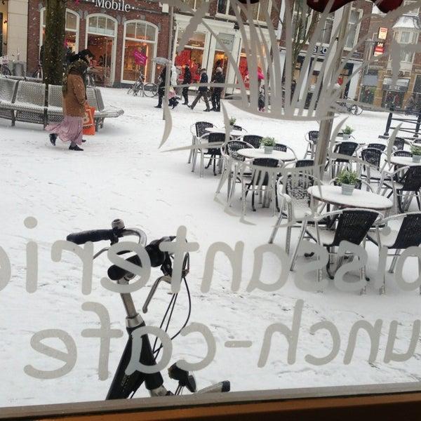 1/26/2013 tarihinde Jolie Y.ziyaretçi tarafından Lunch-Café Le Provence'de çekilen fotoğraf
