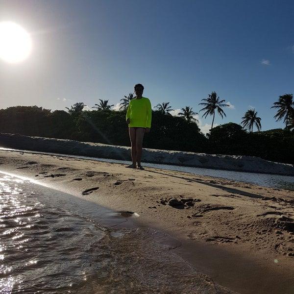Foto tirada no(a) Praia da Garça Torta por José F. em 11/28/2017