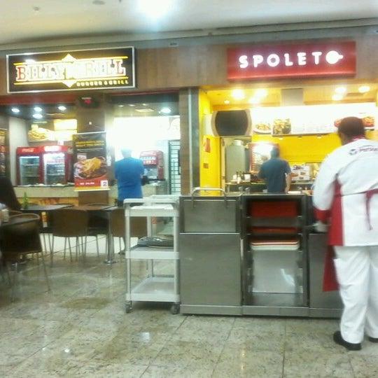 Foto tirada no(a) Partage Shopping São Gonçalo por Mateus R. em 2/4/2013
