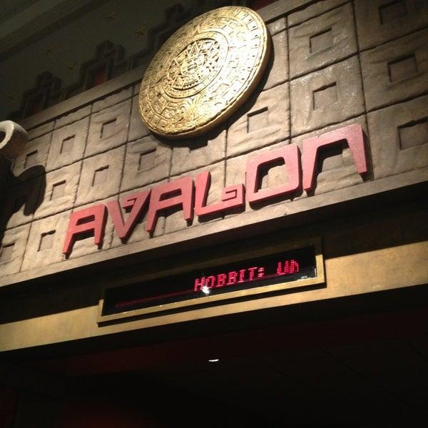 Снимок сделан в AMC Loews Lincoln Square 13 пользователем Victor L. 1/8/2013