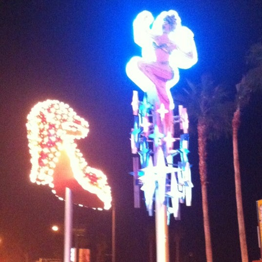 Photo taken at El Cortez Hotel & Casino by Gigi M. on 1/8/2013