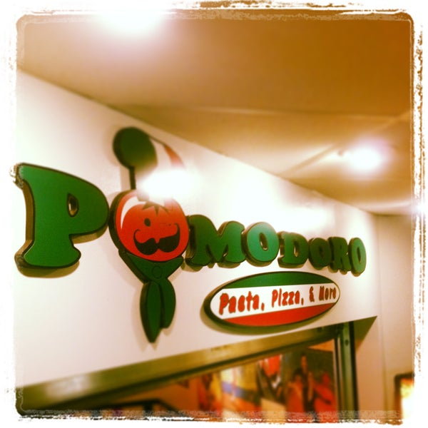 Photo taken at Pomodoro Express by Pomodoro Pizza Pasta on 8/5/2013