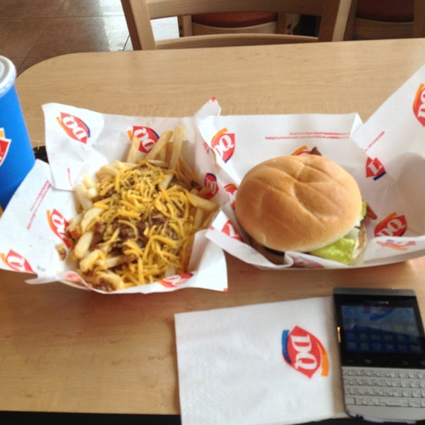 Photo taken at Dairy Queen by Saudi R. on 5/25/2013