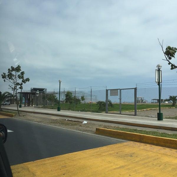Photo taken at Mistura Perú by Cesar T. on 10/12/2016