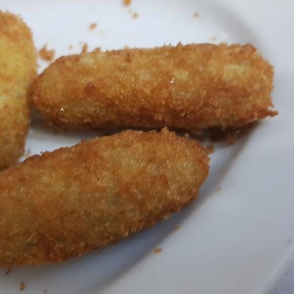 Pan con Cabrales y  croquetas de cabrales