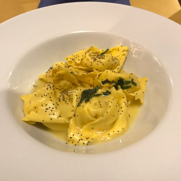 Everything is great here! Must try the Ravioloni Ricotta Con Burro E Salvia!