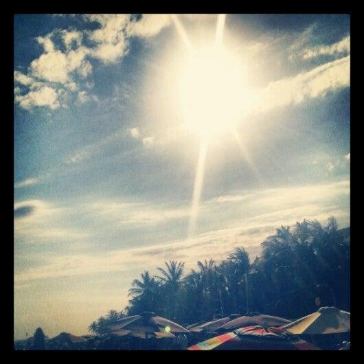 Photo taken at Playa El Yaque by Arnaldo B. on 3/27/2013