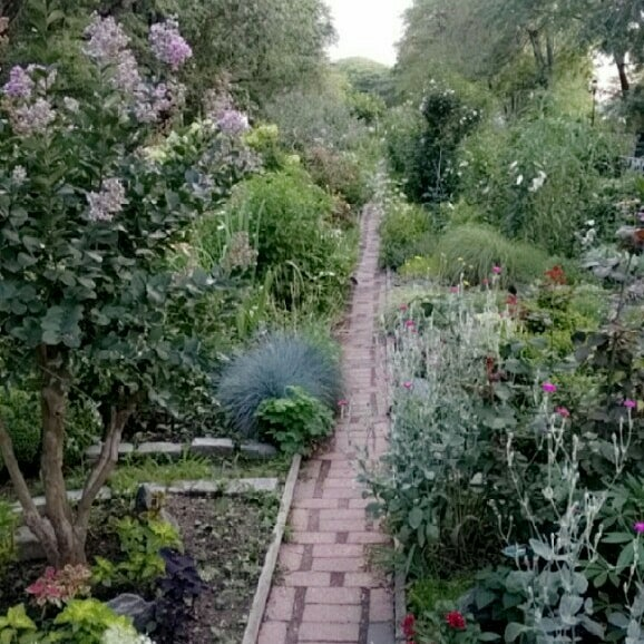Photo Taken At Riverside Park   91st Street Garden By Shayna On 7/19/