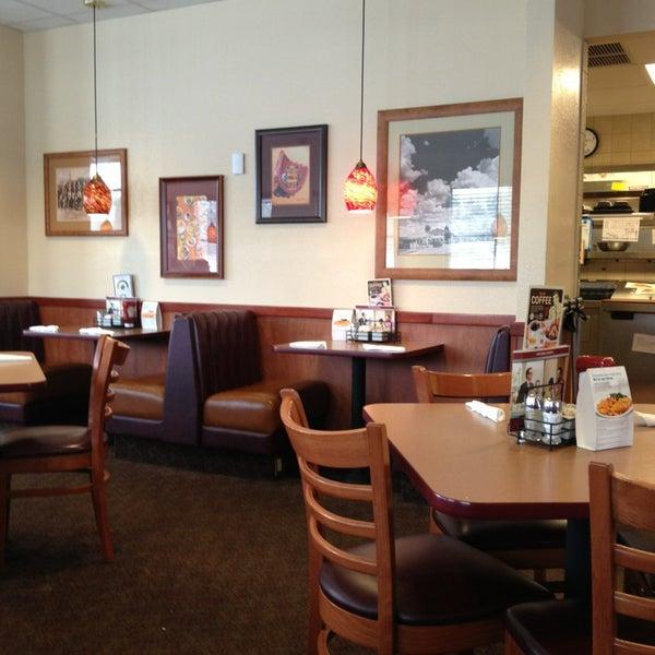 Photo taken at Denny's by Artichoke H. on 3/11/2013