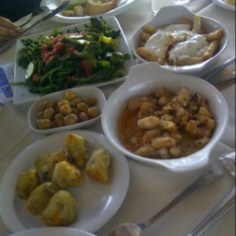 6/29/2013 tarihinde Elif Figen ç.ziyaretçi tarafından Cunda Deniz Restaurant'de çekilen fotoğraf