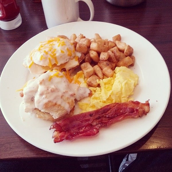 Photo taken at Perkins Restaurant & Bakery by Seb D. on 4/27/2014