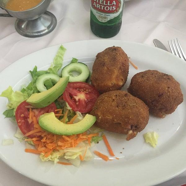 Photo taken at Restaurante Hnos. Hidalgo Carrion by Abel V. on 2/28/2016