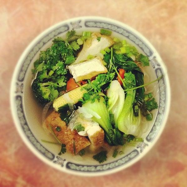Photo taken at Pho 777 Vietnamese Restaurant by Dave J. on 10/21/2012
