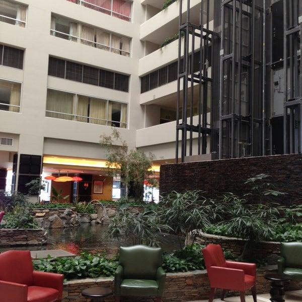 embassy suites by hilton los angeles glendale hotel in. Black Bedroom Furniture Sets. Home Design Ideas