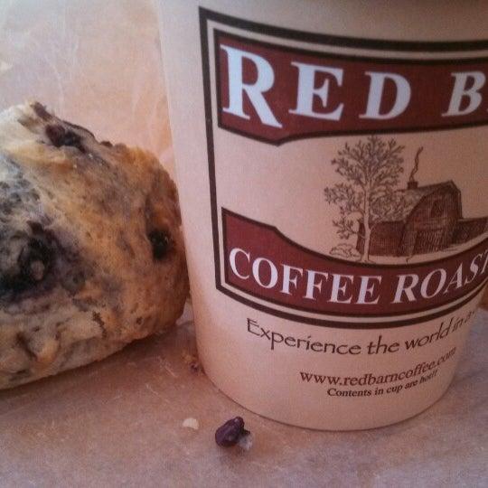 Foto tirada no(a) Red Barn Coffee At Angel's Cafe por Jeffrey D. em 9/23/2013