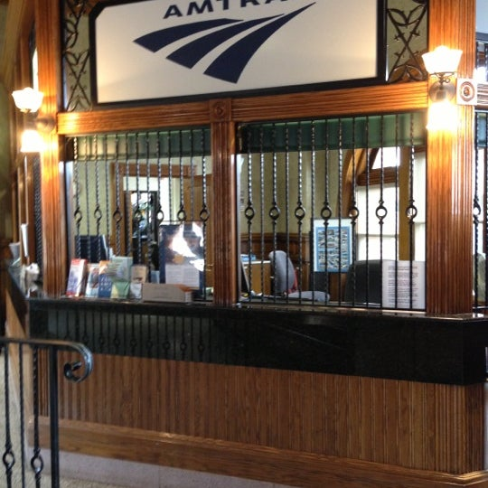 Photo taken at Kalamazoo Transportation Center - Amtrak (KAL) by Tonei G. on 10/5/2012