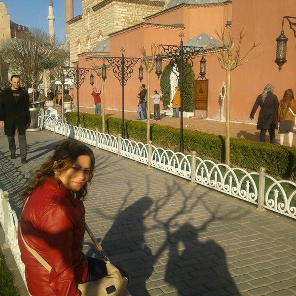 Das Foto wurde bei Ayasofya Hürrem Sultan Hamamı von Hüseyin C. am 3/10/2013 aufgenommen